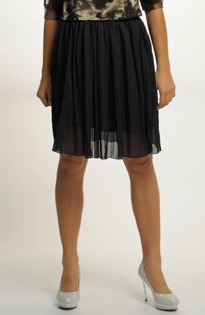 Módní sukně v černé barvě do gumy