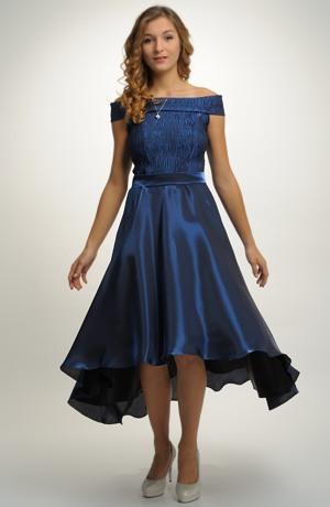 Dívčí šaty na svatbu i do tanečních vhodné na latinu i standardní tance.
