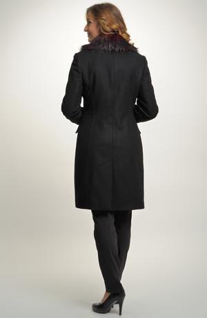 Elegantní paleto v délce nad kolena