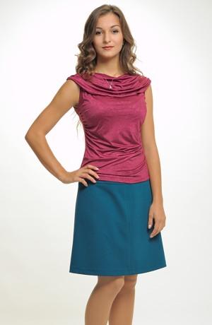 Sportovně elegantní sukně vhodná na každou příležitost