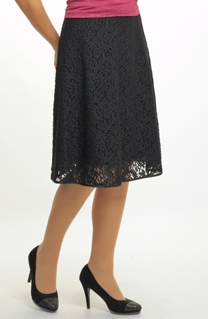 Dámská krajková sukně