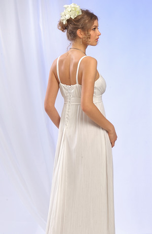 Šaty v římském stylu s bohatým řasením na sedýlku a sukni