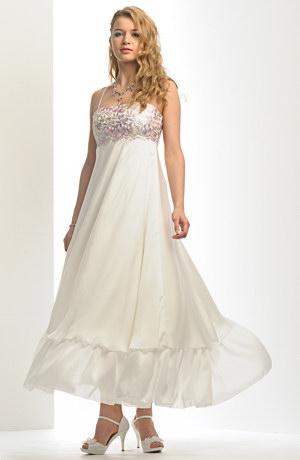 Empírové svatební šaty, model je vhodný i pro těhotné nevěsty.