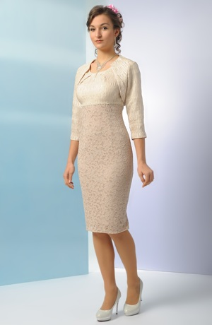 Krátké šaty empírového střihu s elastickou krajkou