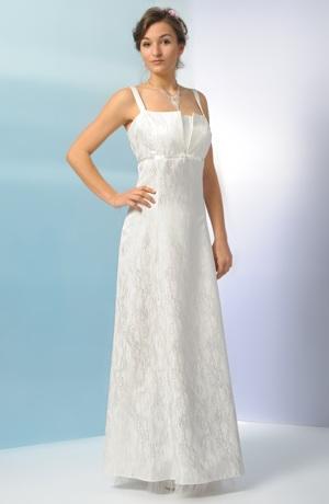 Dlouhé svatební šaty vhodné i pro plnoštíhlé postavy.