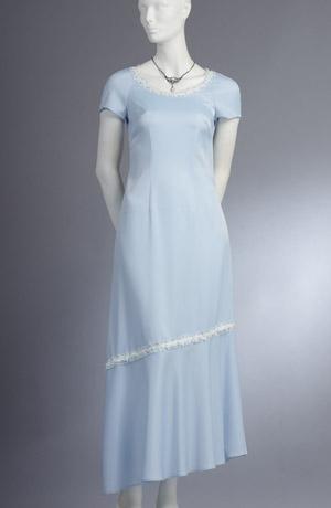 Jednoduché svatební šaty s raglánovými rukávky