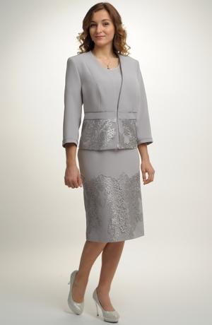 Elegantní pouzdrové šaty s kabátkem pro plnoštíhlé vhodné i na svatbu