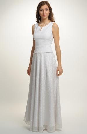 Bílý top s kolovou sukní