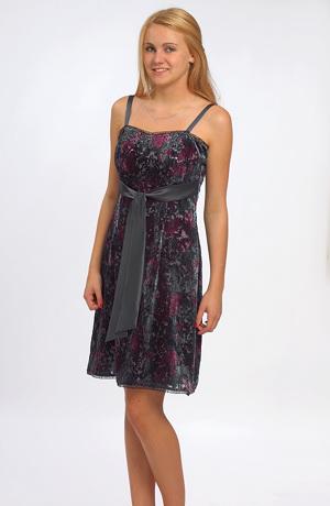 Dívčí krátké levné společenské šaty velikost 38 - výprodej.