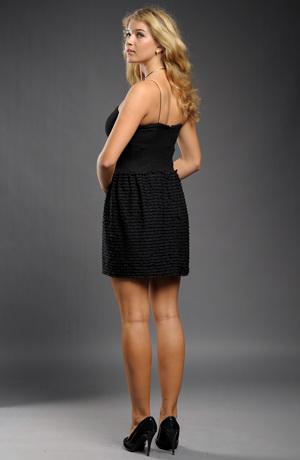 Dívčí černé šaty do tanečních s volánky na sukni