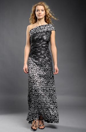 Dlouhé elegantní plesové šaty z plisé se stříbrným potiskem