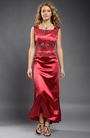 Luxusní plesové šaty v tmavě červené