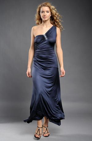 Dlouhé elegantní elastické společenské šaty