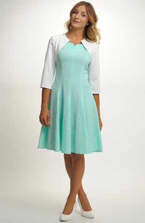 Krátké dívčí šaty vhodné na maturitu, promoci ...