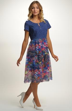 Dámské šaty s elegantním vzorem
