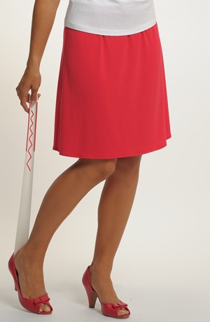 Krátká červená sukně