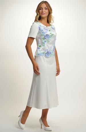 Elegantní kostýmek s jemným plastickým vyšívaným tylem