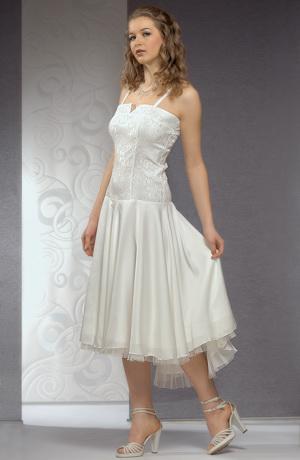 Svatební šaty korzetového střihu mají elastické tělo.