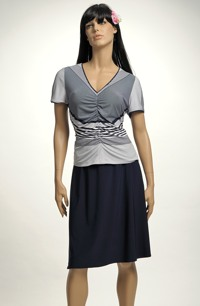 Letní elastický kostýmek vhodný pro větší velikost