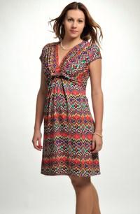Letní šaty v hippies stylu do sedla s rukávky.