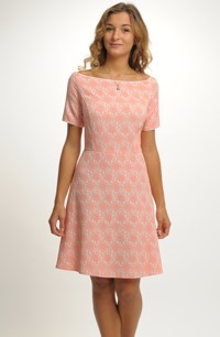 Šaty inspirované retro módou 50.let 83aa03ce67