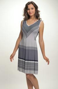 Šaty s pruhy a puntíky na léto