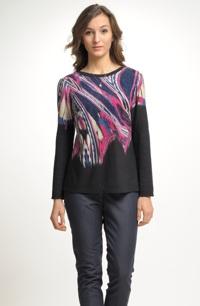 Ležérní pleteninový svetřík se vzorem