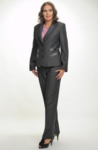 Dámský elegantní kalhotový kostým zdobený kůží pro plnoštíhlé