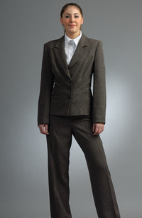 Kalhotový kostým zdobený kůží