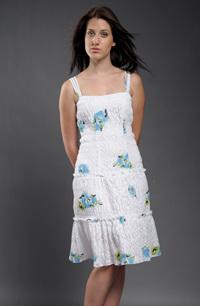 Dívčí společenské šaty z luxusního plastického materiálu s květinovým potiskem.