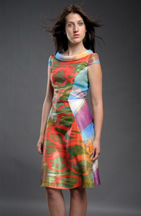 Barevné společenské šaty v retro stylu