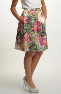 Sukně na léto s kapsami a s květy