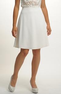 Smetanová sukně zvonkového střihu se zajímavým páskem