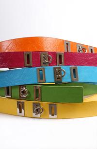Módní oděvní doplňky - dámské pásky v barvě zelené, oranžové, modré, červené a žluté