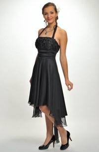 9fa6357443e Dívčí šaty se zdobeným sedlem za krk ve stylu babydoll na matuiriťák