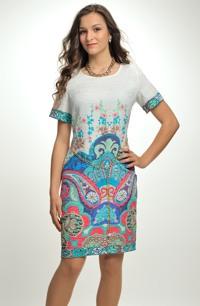 Pouzdrové šaty s barevným tiskem s indickým motivem