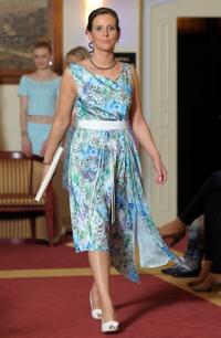 Elegantní dlouhé šaty do společnosti