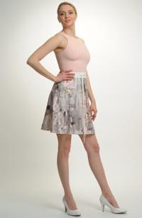 Mladistvé mini šaty na svatbu nebo na párty
