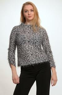 Dámský svetřík z pleteniny se zvířecím vzorem a malým zdviženým límcem
