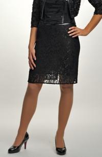 Krátká krajková sukně