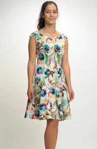 b9c265771f5e Dívčí krátké šaty na letní svatbu
