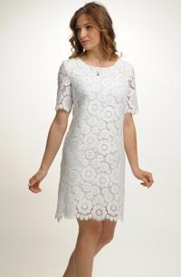 Krátké šaty z luxusní bílé krajky