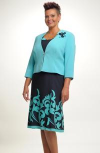 Elegantní dámský komplet zdobený bordurou s kabátkem.