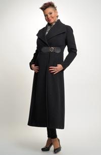 Velmi elegantní dlouhý dámský kabát