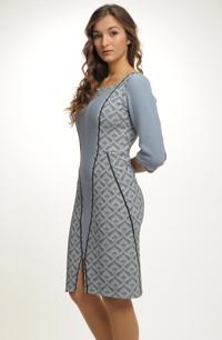 Společenské šaty z úpletu a elastické tkaniny zdobené portou