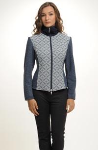 Kabátek z boucle kombinovaný s tkaninou a pleteninou