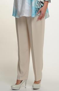 Světlé kalhoty v pastelových barvách