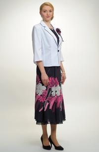 Nadčasový letní komplet tvoří kombinace topu, sukně a kabátku