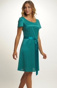 Mladistvé šaty vhodné pro i pro silnější postavy XL , XXL, XXXL