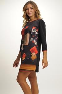 Originální tunikové šaty s 3/4 rukávy